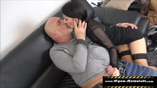 Алисса Авни занимается страстным сексом с озабоченным отчимом