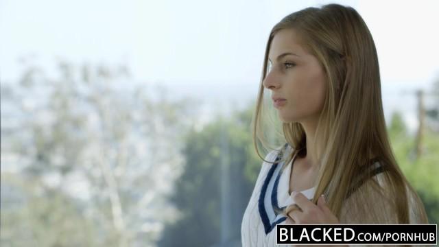 Белая дочка отдалась в страстном инцесте своему черному папаше